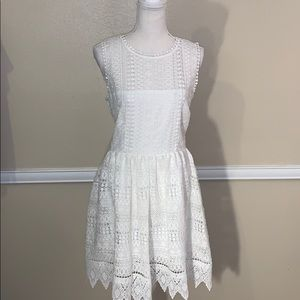 NWT BB DAKOTA IVORY LACE SLEEVELESS DRESS
